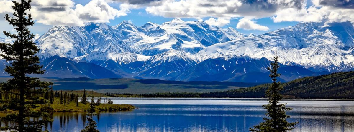 Roundtrip flight Toronto - Anchorage for $403