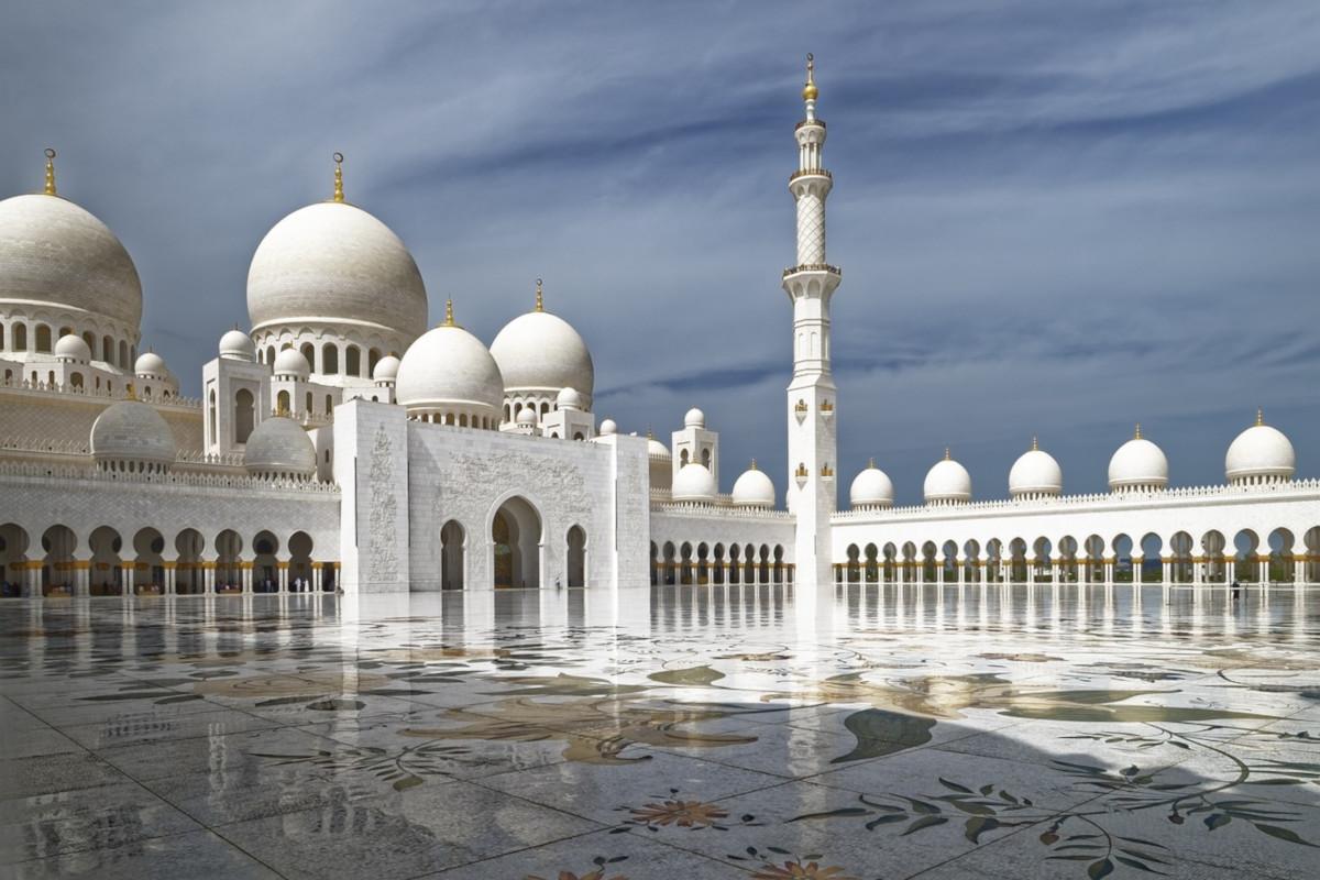 Roundtrip flight Toronto - Abu Dhabi for $755 in MAY-JUN