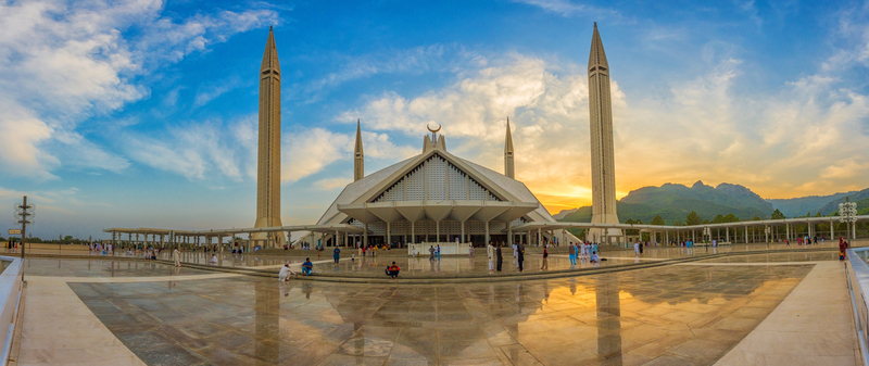 Roundtrip flight Montreal - Islamabad for $727 in October