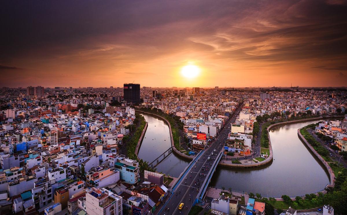 Roundtrip flight Dallas - Ho Chi Minh for $669 in November