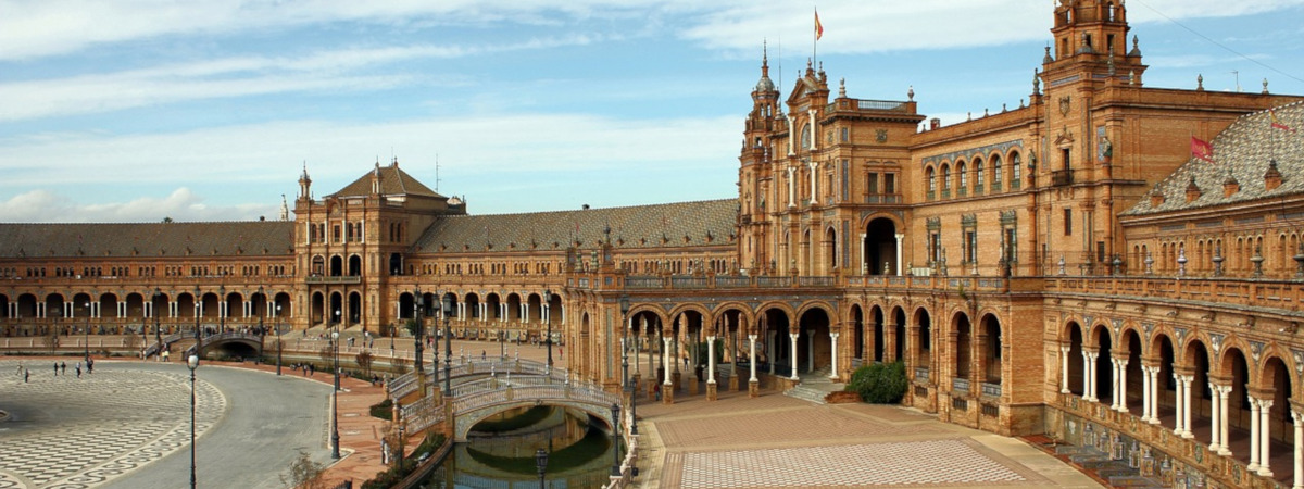 Roundtrip flight Vancouver - Seville for $722 in SEP-OCT