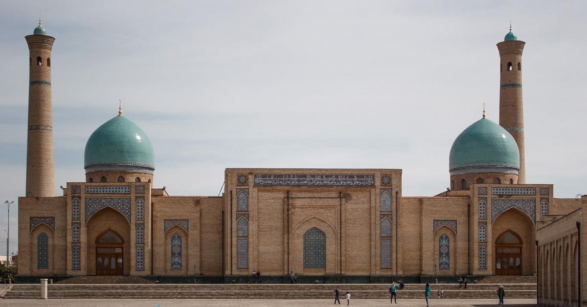Roundtrip flight Toronto - Tashkent for $920