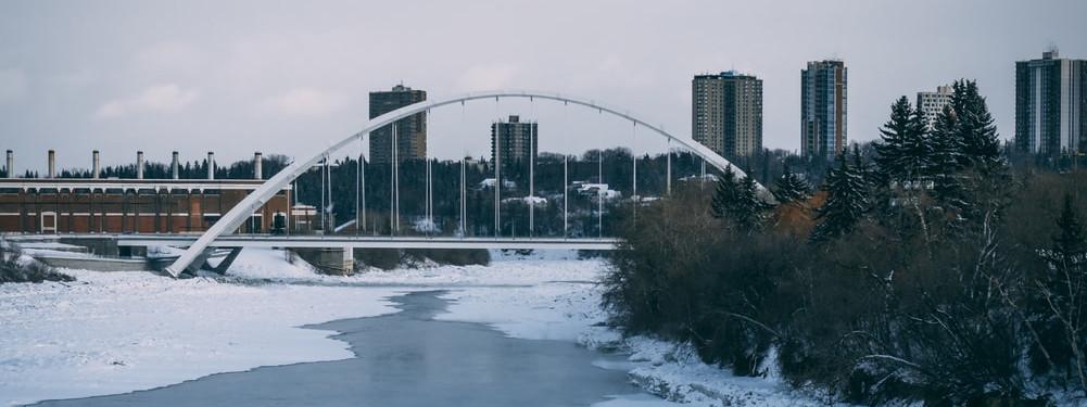 Roundtrip flight Ottawa - Edmonton for $177