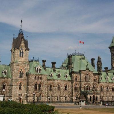 Winnipeg to Ottawa flights