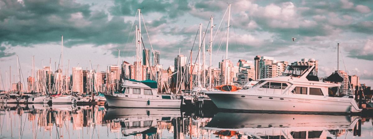 Roundtrip flight Winnipeg - Vancouver for $125