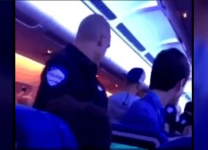 Un pilote qui demande de prier, une dame qui lance de la monnaie dans le moteur et des fêtards expulsés
