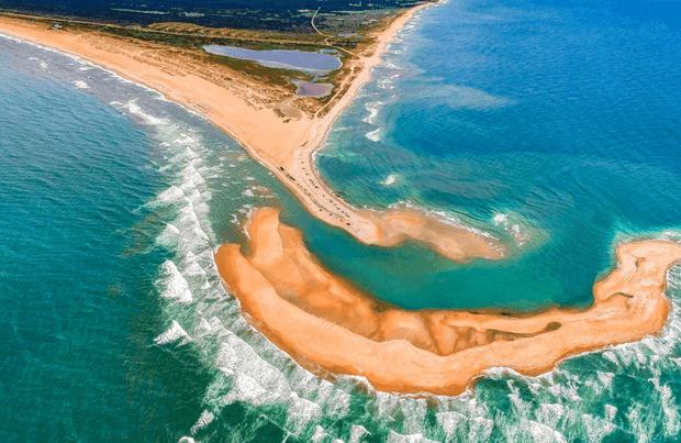 Une nouvelle île vient de carrément apparaître dans l'océan