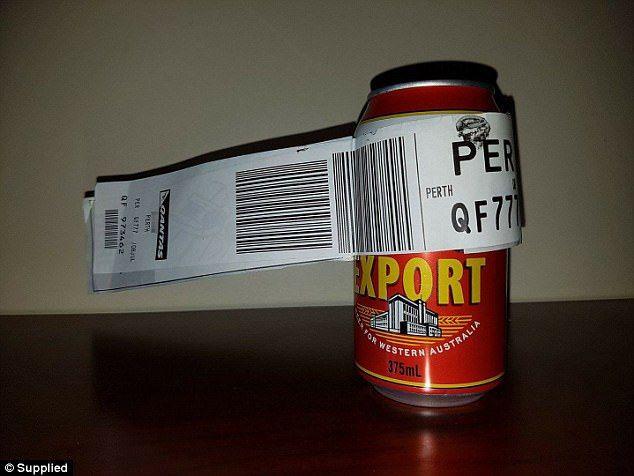 Une canette de bière comme bagage, une touriste perd la vie soufflée par les réacteurs d'un avion et autres nouvelles de la semaine