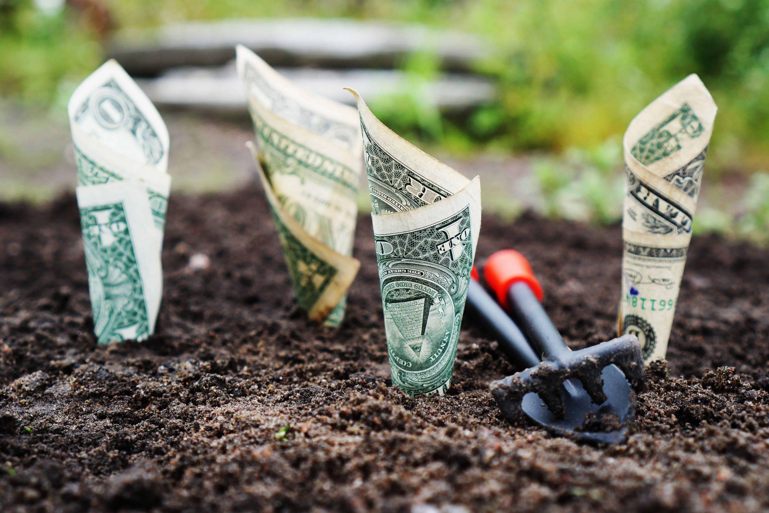 13 Best Money Saving Travel Tips
