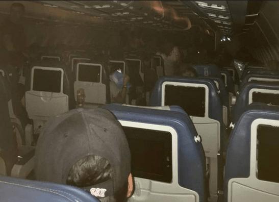 Des passagers pris à bord pendant des heures et autres nouvelles de la semaine