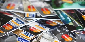 Read more about the article The Best Credit Cards for Travel Hacking in Canada