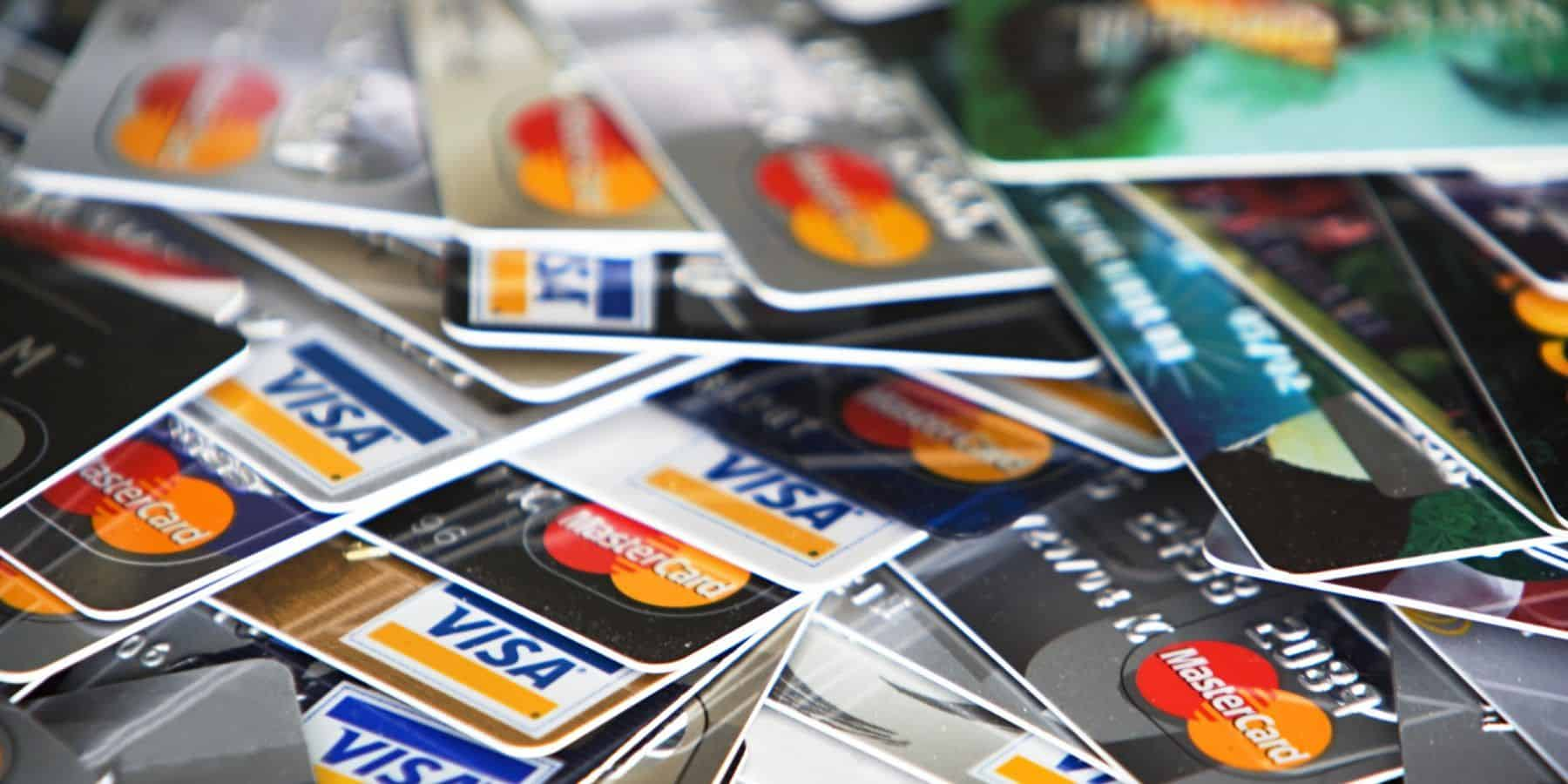 You are currently viewing The Best Credit Cards for Travel Hacking in Canada