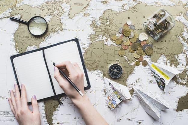 Économiser intelligemment pour voyager