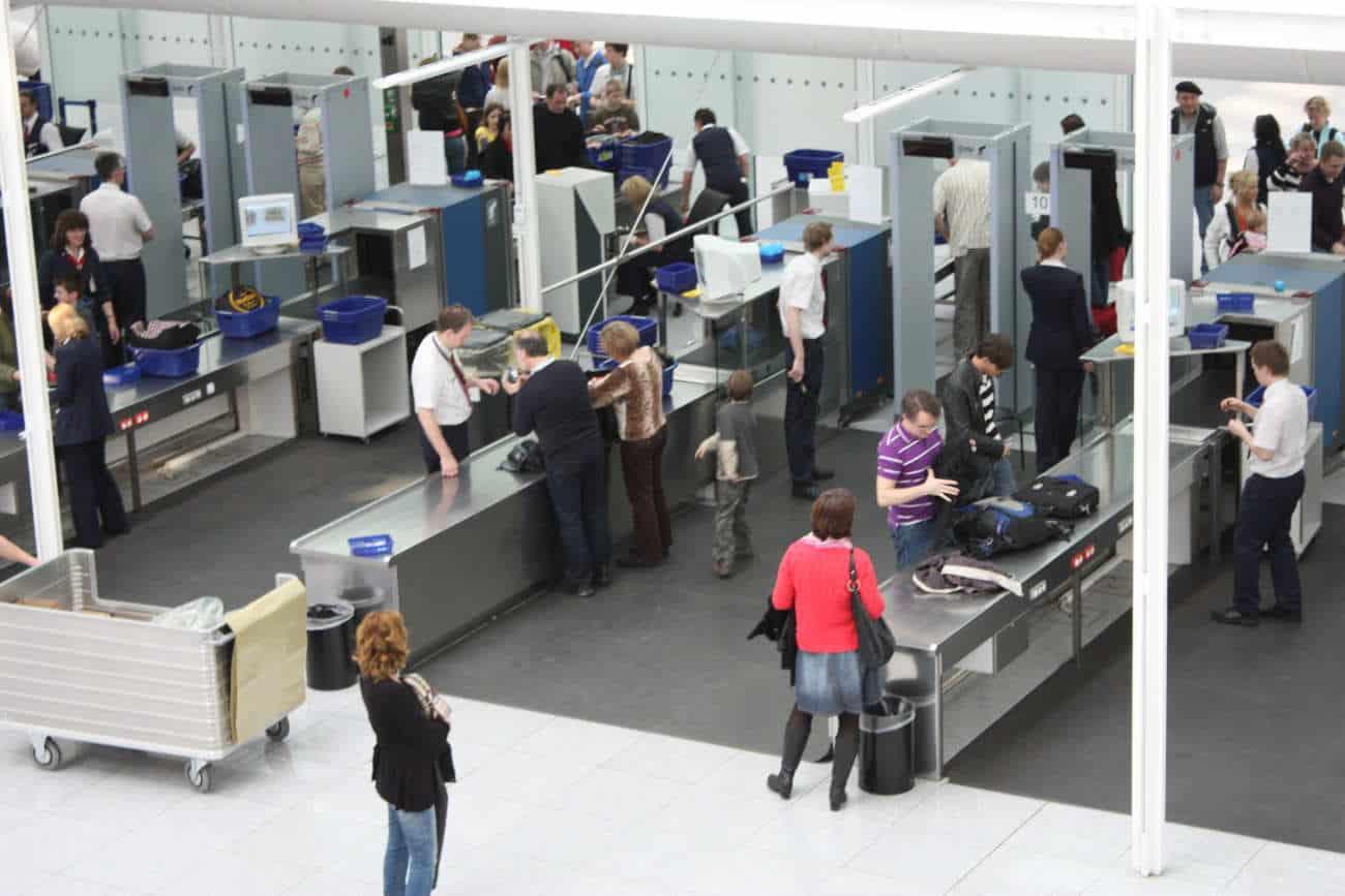 Les petits couteaux sont permis dans l'avion depuis ce matin: est-ce que ça devrait vous inquiéter?