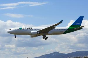 Un nouveau transporteur ultra low-cost s'en vient : des vols Montréal-Paris à 350$ aller-retour