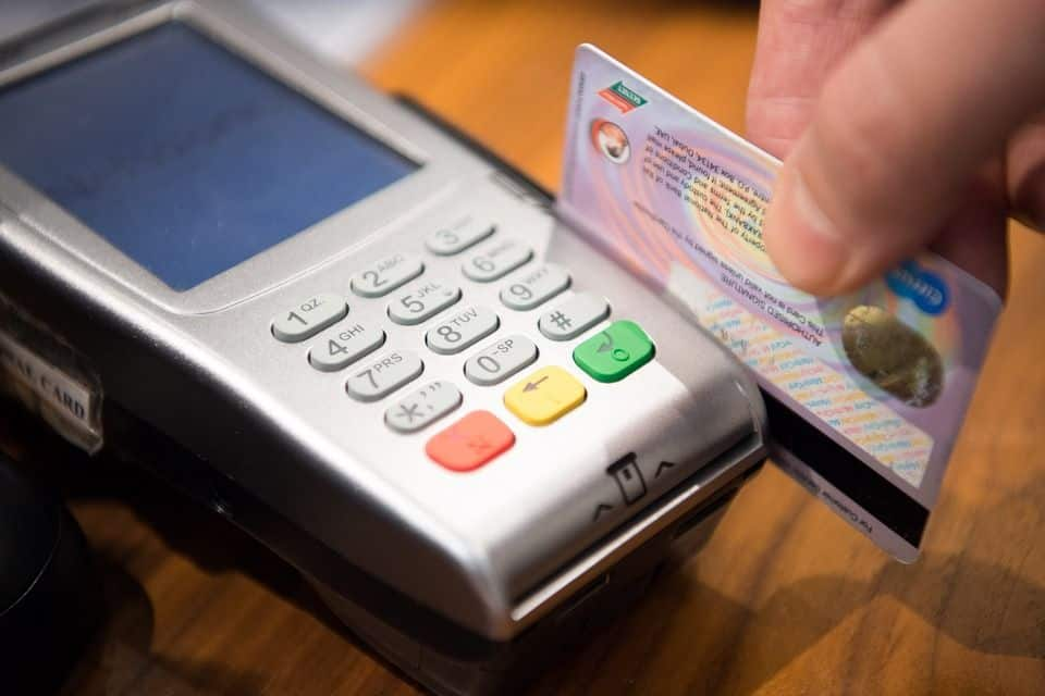 You are currently viewing 10 Rules About Travel Hacking Credit Cards