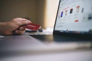 Quoi savoir en achetant un billet sur un site de réservation en ligne