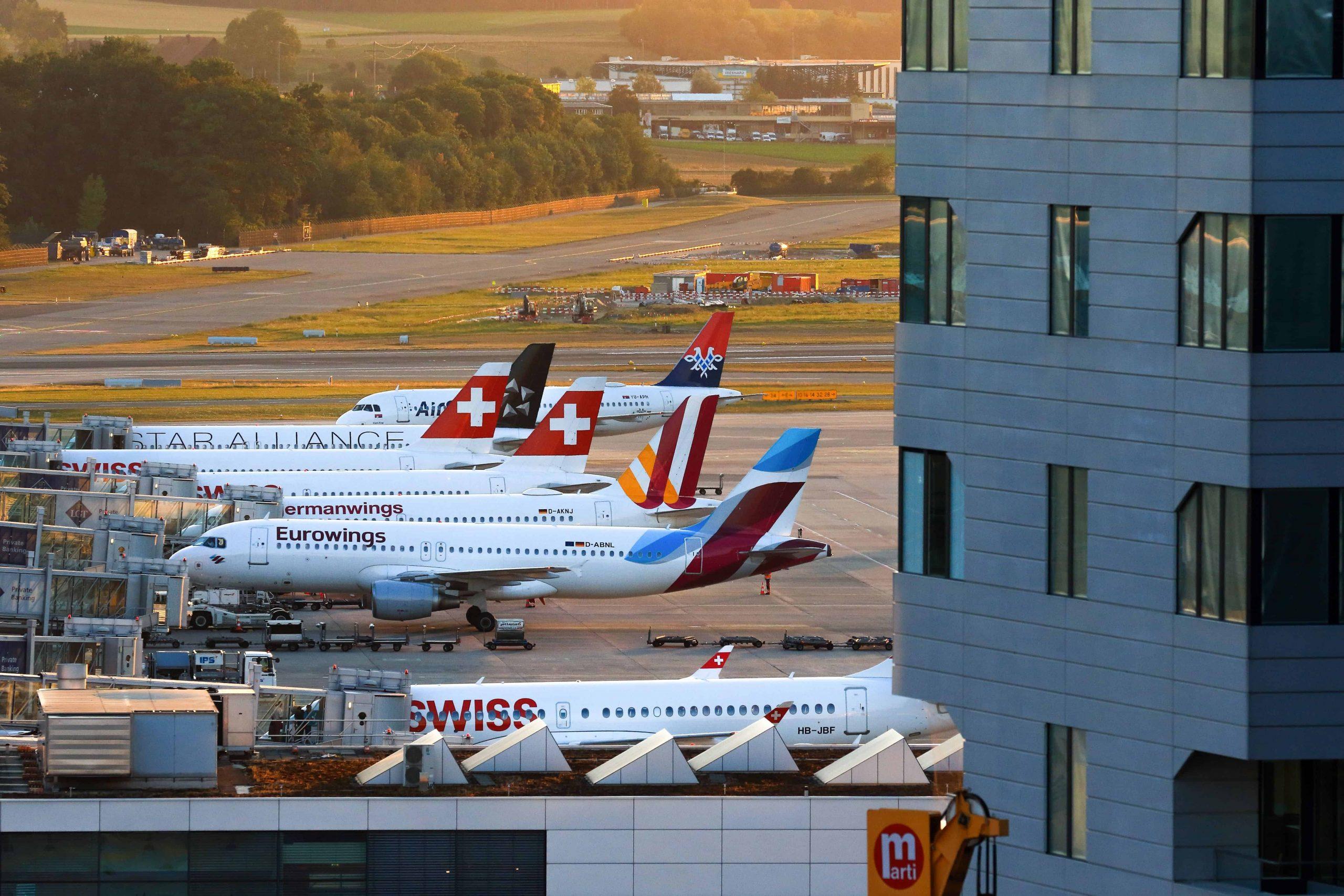 Comprendre les partenariats de compagnies aériennes: codeshares, joint ventures et alliances