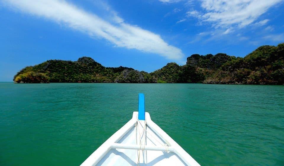 You are currently viewing TOUR DU MONDE à 1353$ en MAI: Hawaï, Malaisie, Singapour, Grèce, Italie, Angleterre