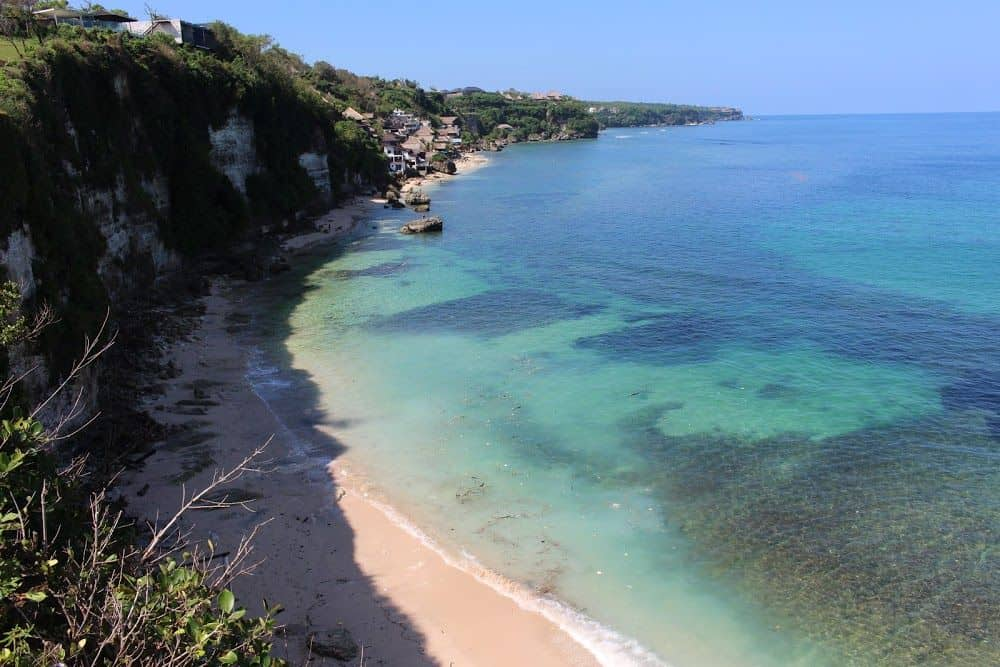 Vue sur la «Impossible Beach» et «Bingin Beach»... Tout simplement à faire rêver!