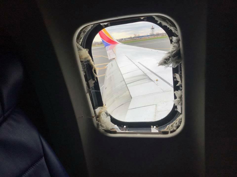 Plus de détails à propos de l'incident horrible hier, où une passagère a été partiellement éjectée d'un avion en plein vol