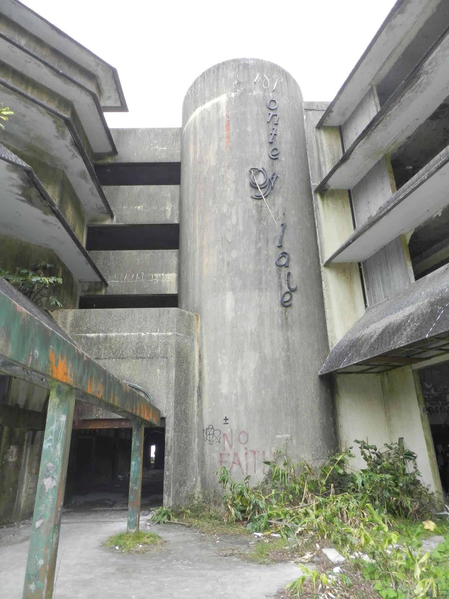 Hotel abandonné Açores