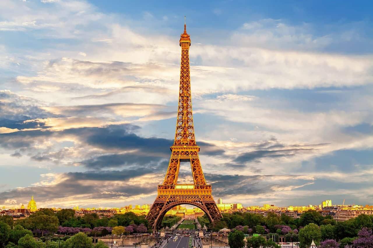 You are currently viewing Paris à 367$ aller-retour: 30% de rabais sur tous les vols WOW air