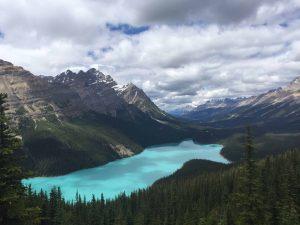 Read more about the article 5 raisons pourquoi les billets d'avion sont aussi chers au Canada
