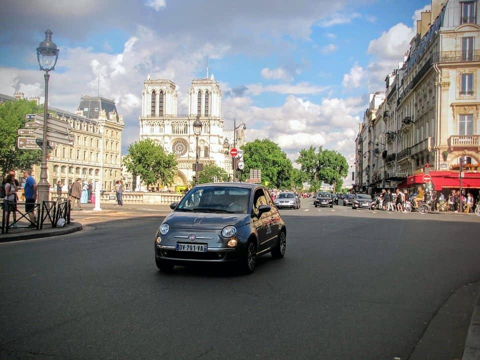 You are currently viewing Comment économiser sur les autos de location (hors-Amérique du Nord)