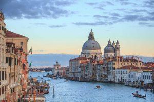 Read more about the article Grèce 457$, Italie 383$, Maroc 425$, Portugal 391$, Espagne/Autriche/Hongrie 404$
