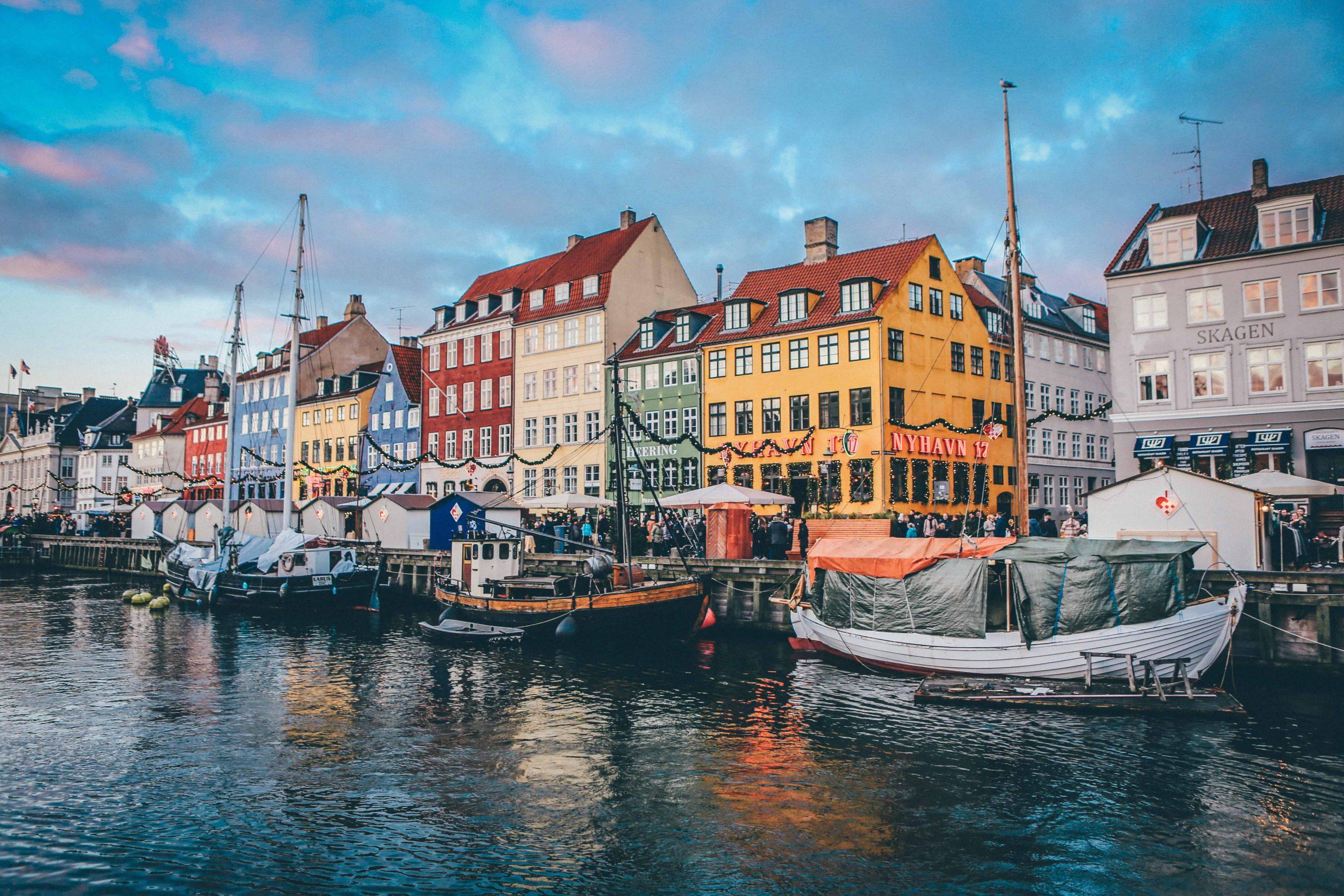 3 photos de chacun des villes européennes où tu peux aller pour moins cher qu'à peu près n'importe où au Canada