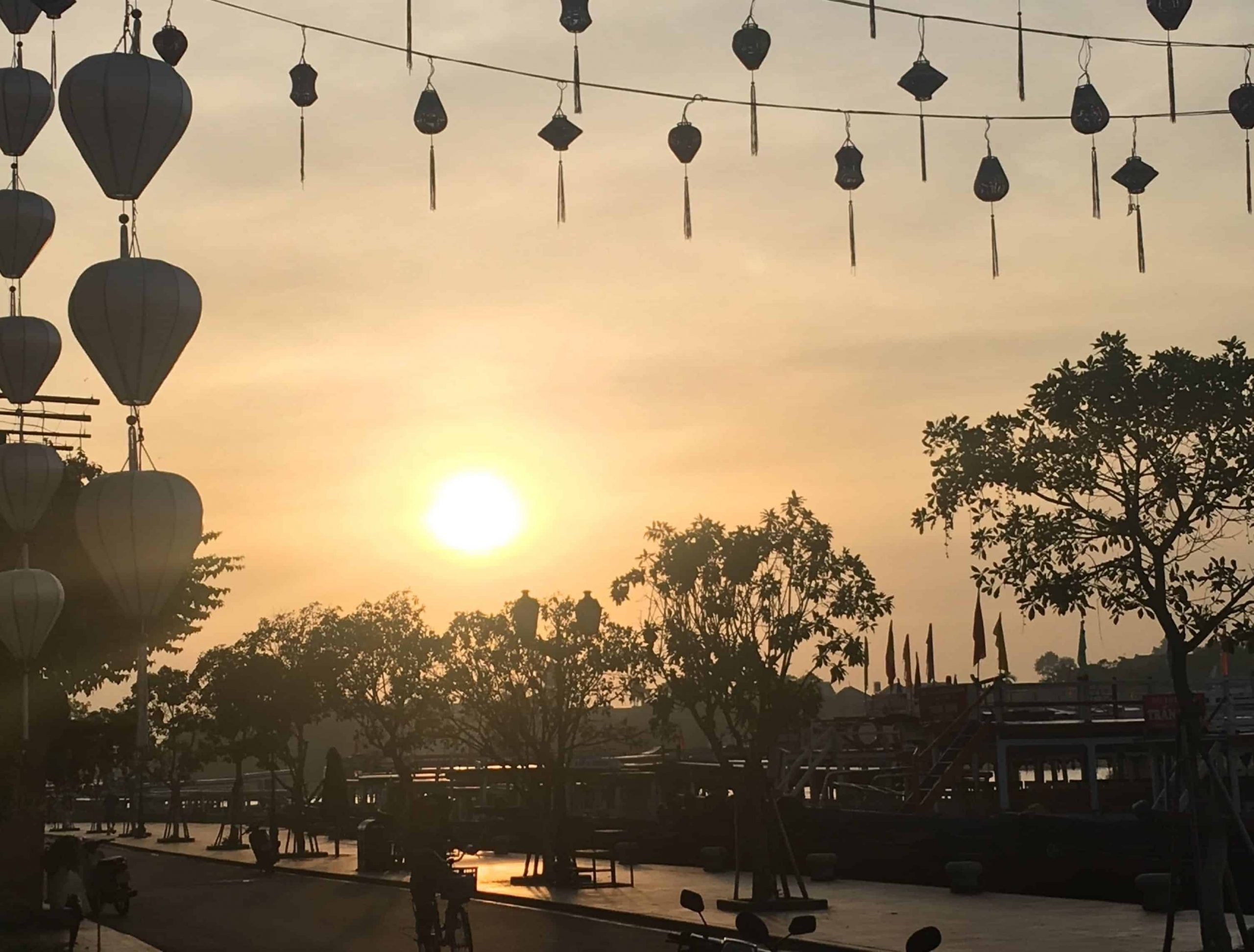 You are currently viewing Hội An (Vietnam): la magnifique ville des lanternes… et escapade au fameux Golden Bridge