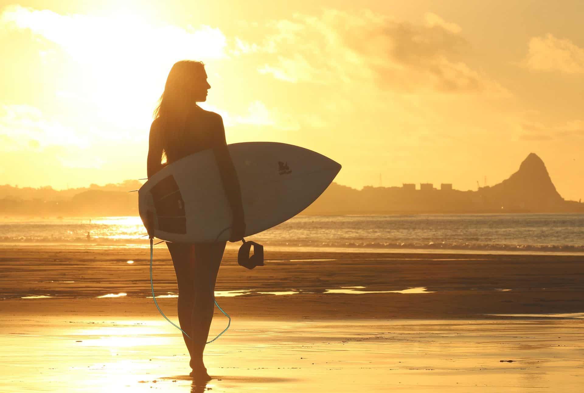 """Rabais Flytrippers: Forfait """"Learn To Surf"""" de 7 jours en Équateur (hébergement inclus)"""
