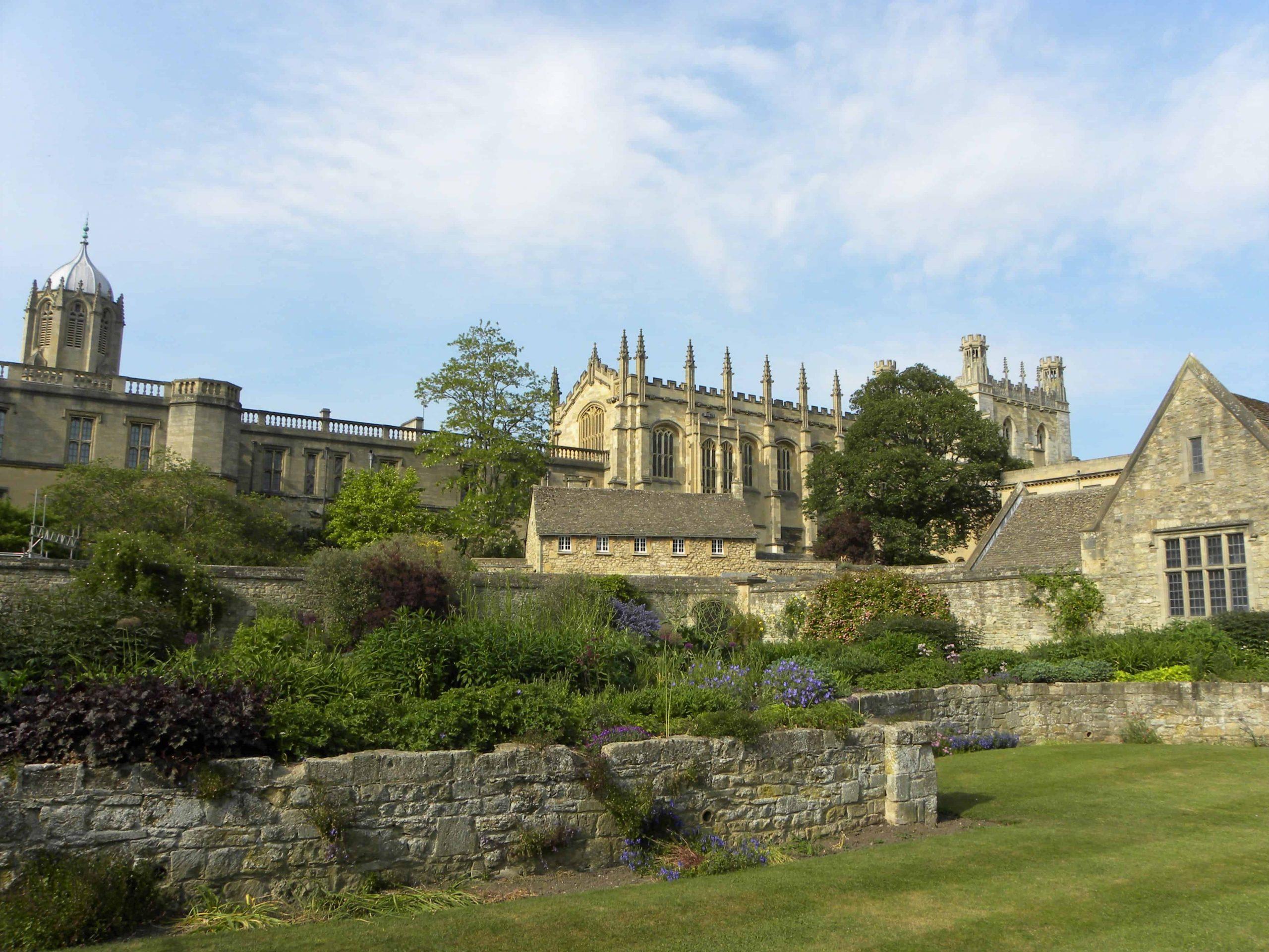 L'université d'Oxford et son joli jardin.