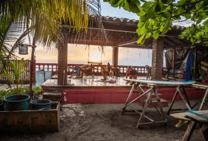 """Rabais Flytrippers: Forfait """"Learn To Surf"""" de 7 jours au Nicaragua (hébergement inclus)"""