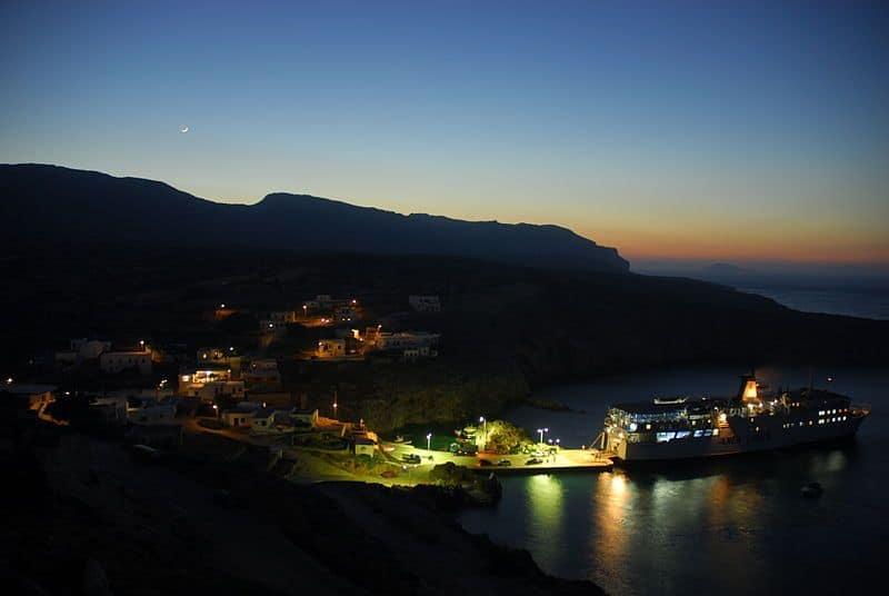 Une magnifique île grecque va donner 25 000$, l'hébergement et la nourriture à des familles qui veulent y déménager