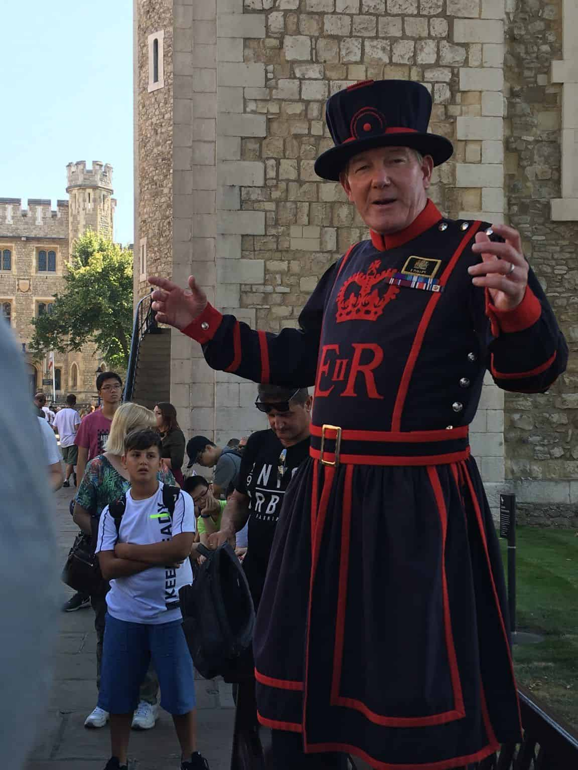 """Yeoman Warder ou """"Beefeater"""""""
