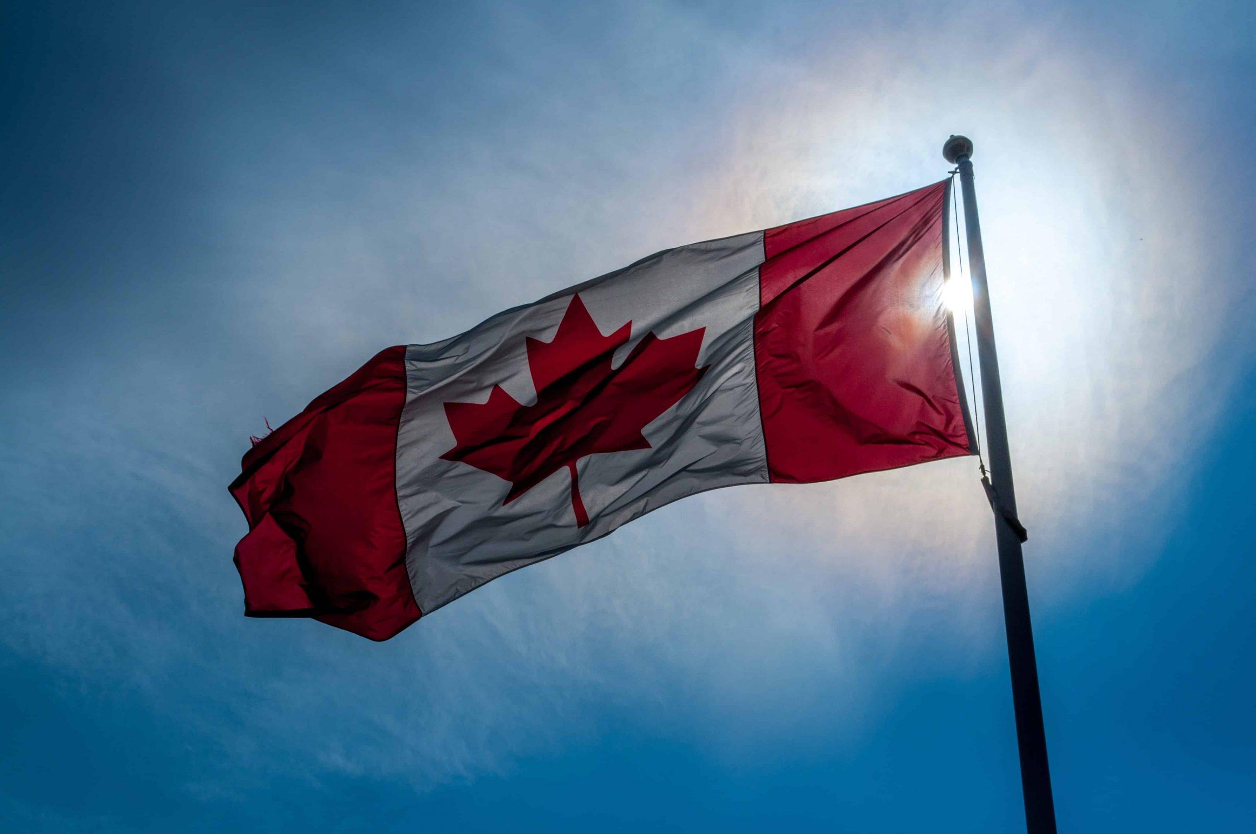 Les frontières du Canada seront fermées aux non-Canadiens (excluant les Américains)