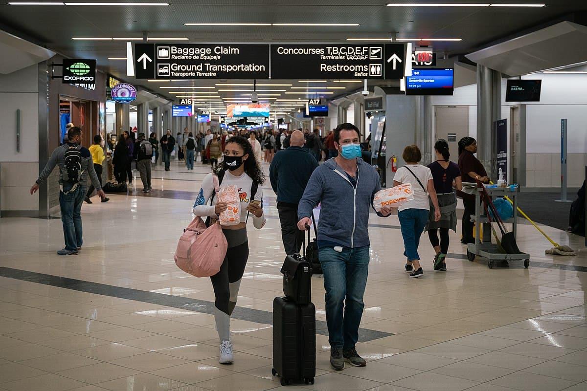Masks Will Be Mandatory On Canadian Flights