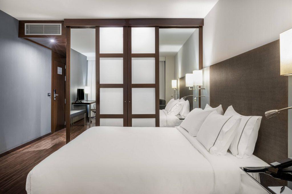 aeial-guestroom-9605-hor-clsc