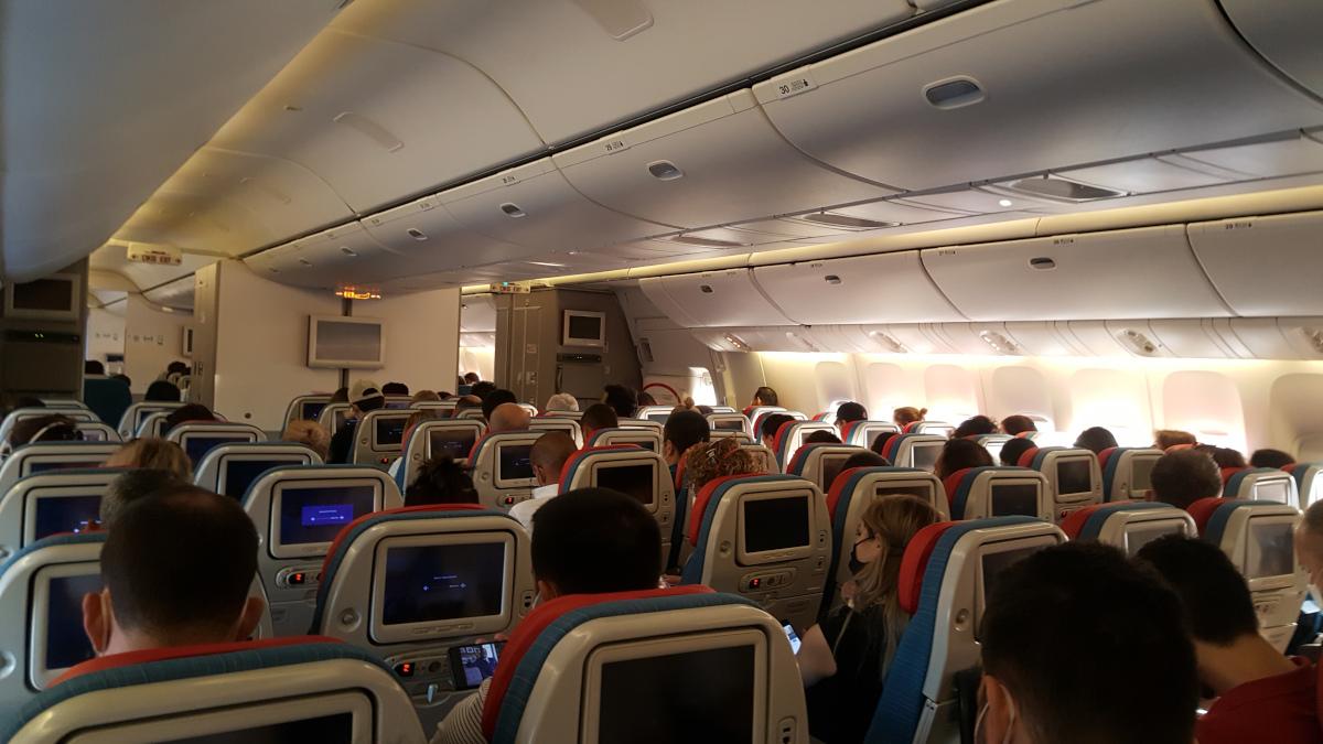 Cas de COVID-19 attribuables à la transmission entre passagers sur des vols au Canada