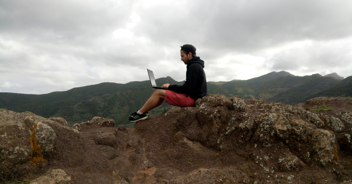 You are currently viewing Introduction On How To Become A Digital Nomad To Travel Full-Time